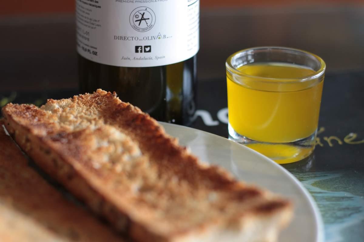 Aceite de oliva sin filtrar o en rama