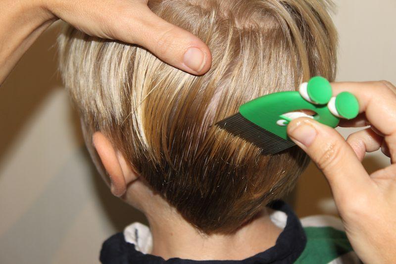 Quitar un chicle del pelo
