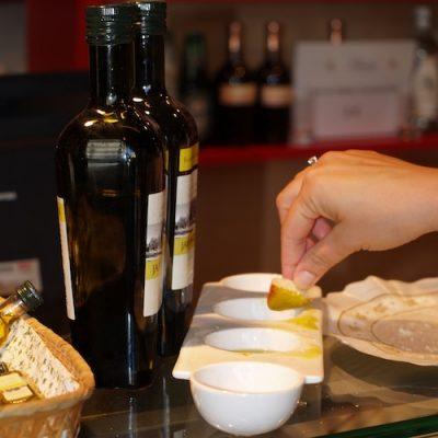 Aceite de oliva para regalar y catar