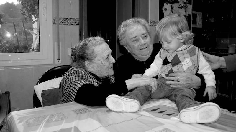 Valorar a los abuelos para aumentar longevidad