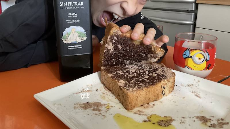 Pan con aceite y colacao, la nocilla de Jaén